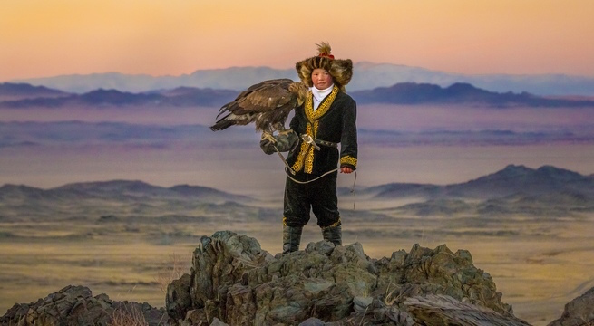 """The Eagle Huntress"" (""La principessa e l'aquila"") di Otto Bell"