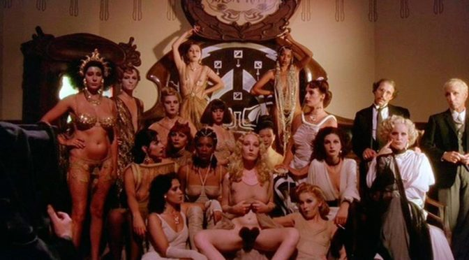 """SALON KITTY"" DI TINTO BRASS"