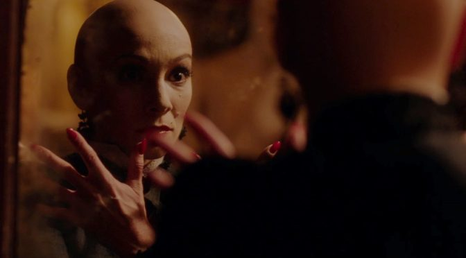 """IN FABRIC"" DI PETER STRICKLAND"